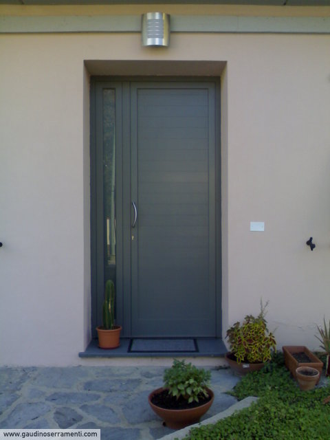 Serramenti in alluminio materiali per serramenti gaudino - Portoncini blindati da esterno con vetro ...