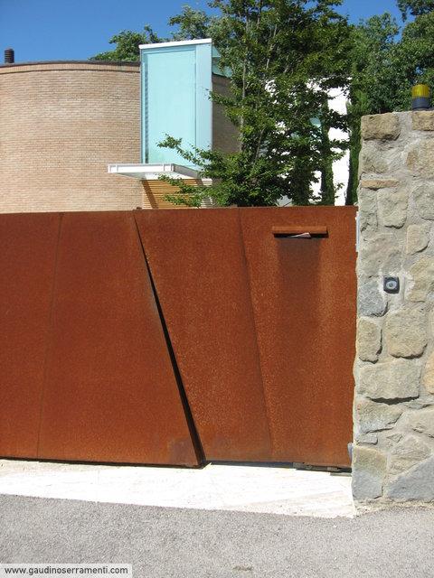 Cancello moderno beautiful cancello e cancelletto in for Cancello scorrevole moderno