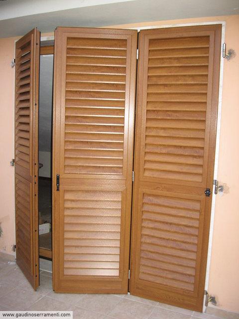 Effetto legno finiture alluminio gaudino for Persiane in pvc listino prezzi
